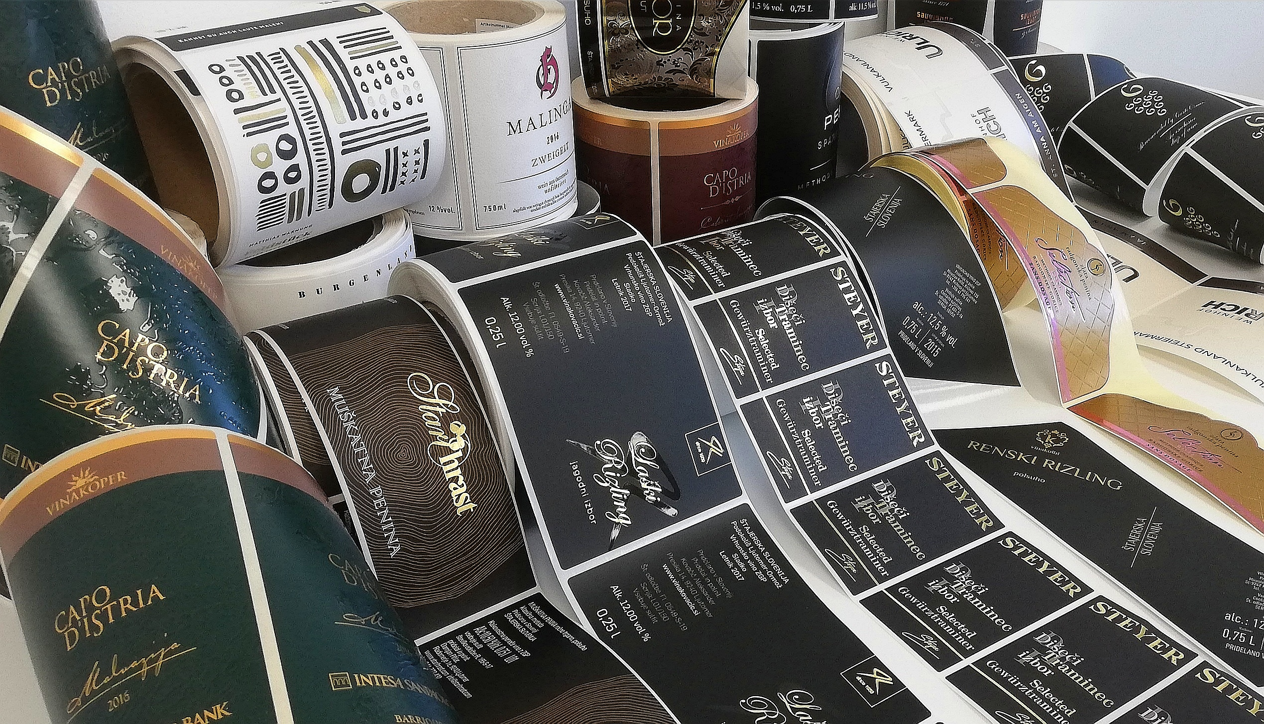 A wide selection of materials and finishes for top quality wine labels